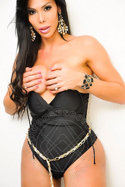 Leticia Minelly  VITERBO 327 9313690