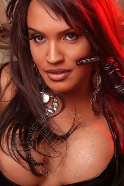 Claudia  SAVONA 327 2053209